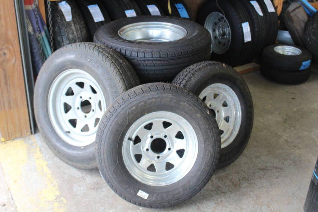 Carlisle Radial Tires OEM for EZ Loader Boat Trailers